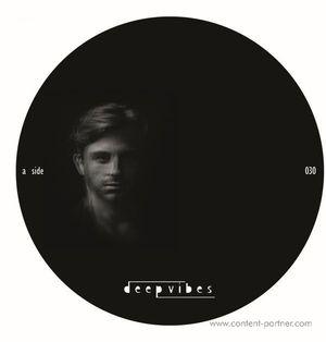 Sascha Dive - Dark Shadow Remixe (deep vibes)