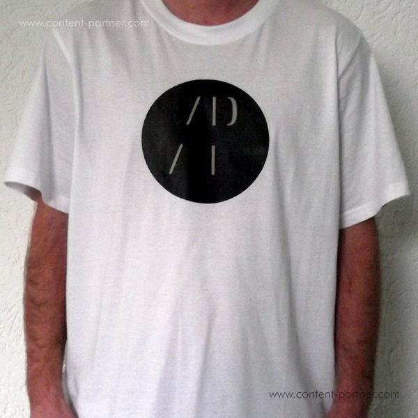 Authentic Pew T-Shirt - White (L)